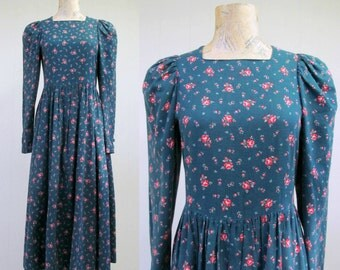 Vintage 1980s Dress / 80s Laura Ashley Green Brushed Cotton Floral Print Dress / Size 8 US