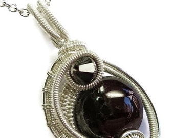 Garnet & Sterling Silver Woven Circle Pendant with Swarovski Crystal and Chain (MWCPSS29)