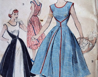 Vintage 1950s Butterick 6015 Walkaway Wrap Apron Day Dress B 30 inches Free UK Postage