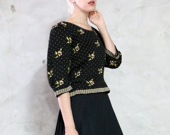 sweater, 90s black floral hand loomed knitted knit sweater, jumper, wide puffy shoulders,  women's medium