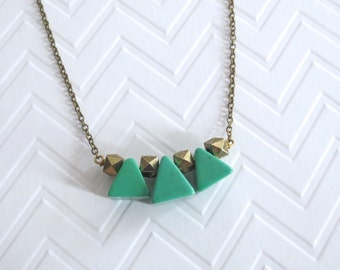 Amazon - Green Gemstone Triangle Necklace with Semi-precious Howlite on Brass Chain (Collier Triangle Vert) by InfinEight