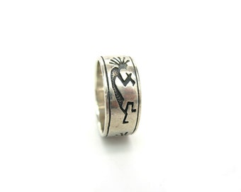 Native American Ring. Kokopelli Sterling Silver Jewelry. Flute Player, Fertility. Size 8. Vintage 1980s Cigar Band Ring.