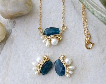 SET: Pearl and gemstone jewelry - Apatite & freshwater pearl necklace and earrings - wire wrapped jewelry