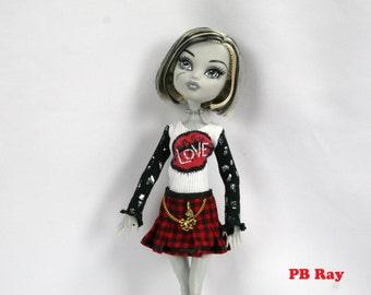 Monster High Doll Fashion Rebel Love