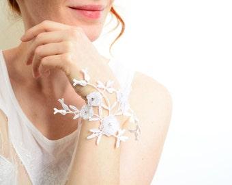 White lace bridal bracelet flower appliqué & Swarovski rhinestones