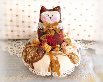 Cat Pincushion 5 inch / Fall Autumn Tan Brown Red Gold / Pin Cushion / Prim Cat Doll Decoration Soft Sculpture Folk Art / CharlotteStyle