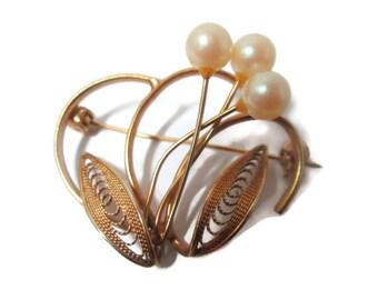 Vintage Filigree Brooch Cultured Pearls Flower Pin