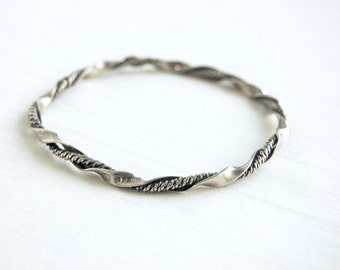 Twisted Sterling Silver Bangle Bracelet Vintage Mexican Ribbon Cuernavaca Mexico Size 7 .5