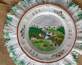 "Vintage Wall Art Plate Newcor ""Country Village"" with plate hanger - Home Decor Decorative Country Kitchen *eb"
