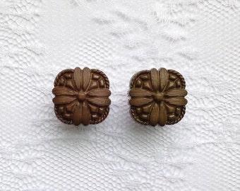"LAST PAIR- Olive Green Flower Design Button Pair Plugs Gauges Size: 1/2"" (12mm), 9/16"" (14mm)"