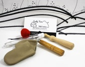 Needle felting accessories kit, supplies for needle felting, leather finger guards, awl, wooden needle holder, beginners accessories