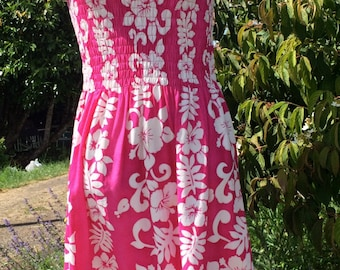 Vintage Hawaiian Sundress - Pink Hibiscus Print - One Size - Lovely Flattering Fit - Scoop Neck