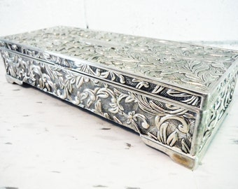 Godinger jewelry box casket silver plated repousse fancy monogrammable vintage retro