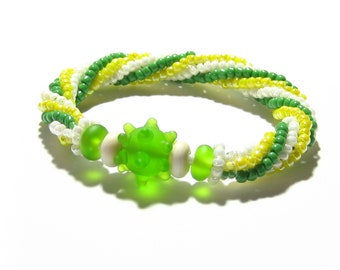 Lime Green Yellow Spiral Beaded Bracelet, Lampwork Glass Stretch Bracelet, Woven Bracelet, Lampwork Glass Jewelry, Colorful Beaded Bracelet