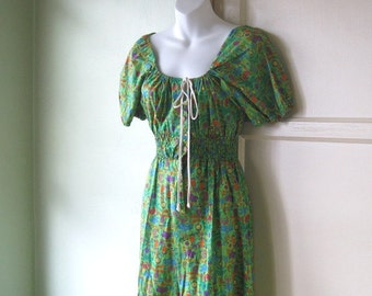 Small 1970s Jungle/Tropical Print Green Maxi Dress; Couple Flaws; for Costume/Casual/Fabric - Hippie/Festival/Earth Mama Dress