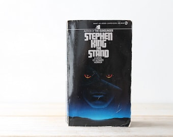 Stephen King vintage The Stand / Signet 1980 / horror apocalyptic dystopia sci-fi / collectible books / black blue softcover vintage edition