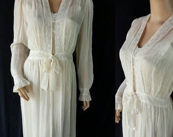 30s 40s Peignoir / Night Gown / Robe / Vintage Wedding Trousseau / Sheer