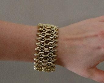 Coro Pegasus Textured Goldtone Bracelet Signed Vintage