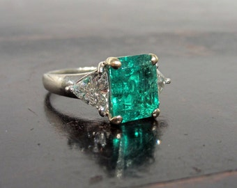 Vintage Emerald Engagement Ring with Trillion Cut Diamond 18k, Vintage Engagement  Ring, Emerald Cut, Vintage Emerald Ring
