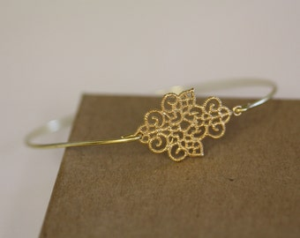 Bohimian Queen Bracelet- Gold Bangle - Filligree - Flower- Bridesmaids Gift Ideas- Casual Wear- Minimalist- Wire Bangle- Filigree