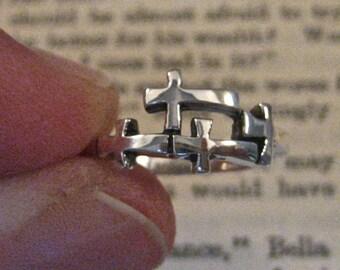 Vintage 925 Sterling Silver Sideways Cross Ring