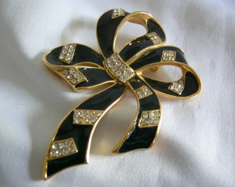 TRIFARI Black Enamel and Rhinestone Gold Tone Bow Brooch   Vintage