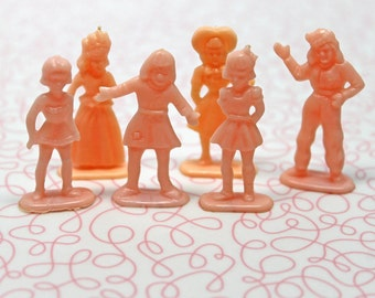 Vintage Miniature Pink Hard Plastic Girl Figurines*Set of 7 Pink Plastic Dolls