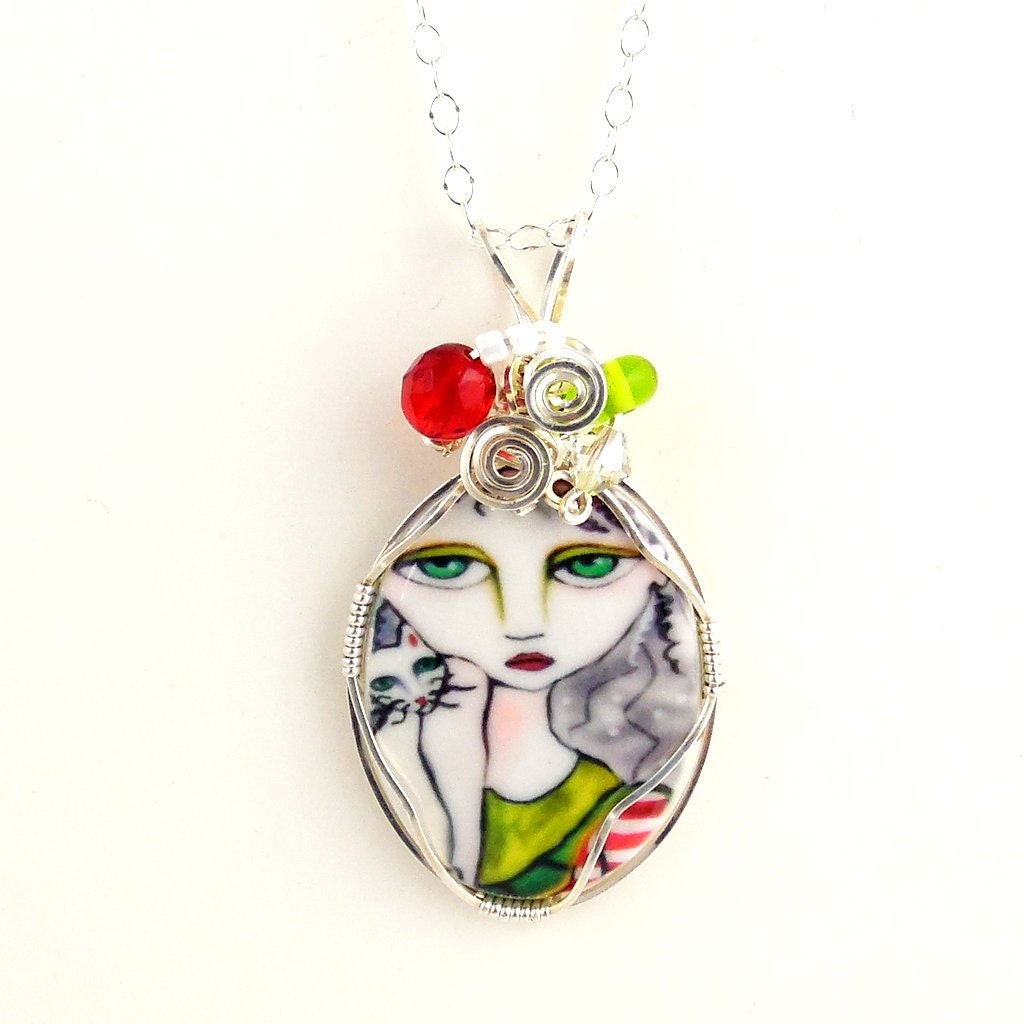 Black red and green wire wrap pendant necklace with cameo for Red black and green jewelry