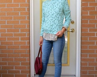 90s Mint Pullover Sweater, SPRING Preppy Floral Knit, Turquoise Seafoam Cropped Long Sleeve, Women's US Size Small