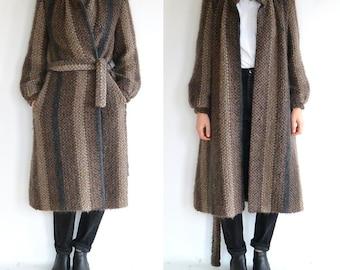 Vintage Earthtone Saxton Hall Trench // Textured Wool // Tie waist // Size medium