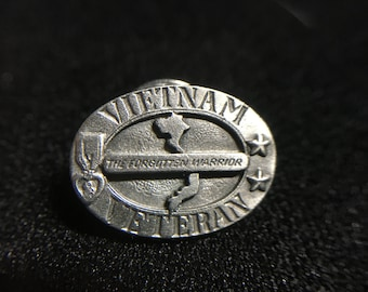 "1990s ""VIETNAM VETRAN"" Siskiyou Pewter Pin (Made in USA)"