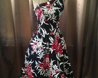 Vintage 1980s One Shoulder Bow Lanz White Red Black Floral Full Skirt Pocket Sun Dress S