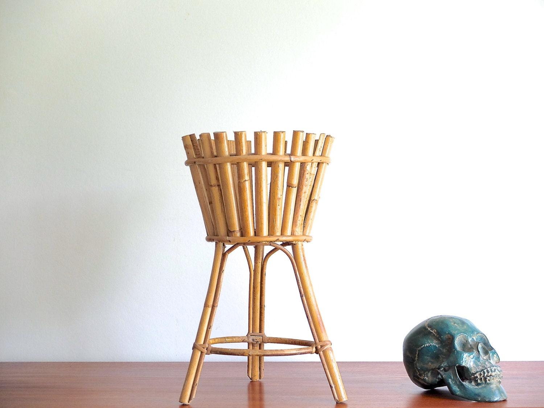 sellette porte plante en rotin bambou cache pot ann es 60. Black Bedroom Furniture Sets. Home Design Ideas
