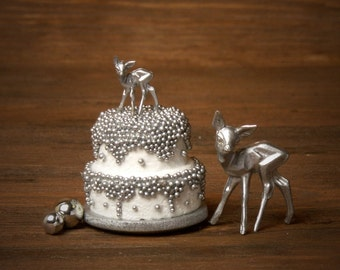 """Charming Miniature Winter Cake """"Deer"""" for Your Dollhouse"""