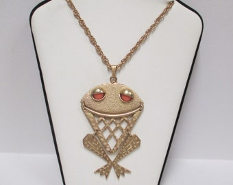 Vintage Sarah Coventry Frog Necklace, 1975 Bernie the Frog, Gold Tone with Coral Bead Eyes