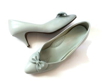 80s Heels Shoes Pumps Stillettos Size 6 6.5 1980s Prom Party Costume Pastel Blue Bows Vegan Faux Leather Retro Pointy Toe