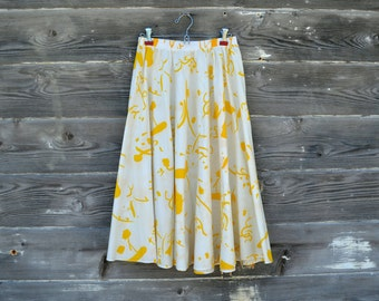 White & Yellow Abstract Patterned Full Skirt - Summer Style - Size Medium Made in the USA