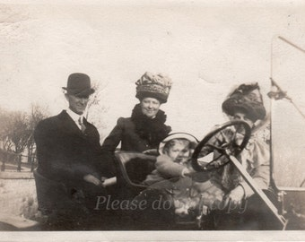 Vintage Photo ~  1911 abstract car ride