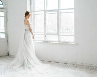 Ivory and gray wedding dress // Ivy
