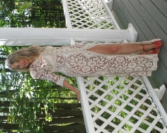 Lace Dress in Ivory and Coco Rose shading