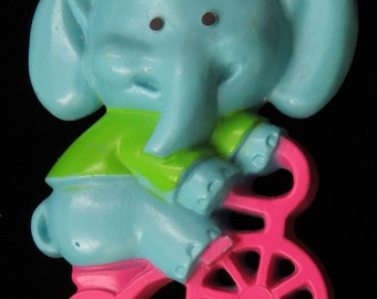 Vtg Avon Pin Blue Elephant Riding Tricycle Plastic 1975 Childrens