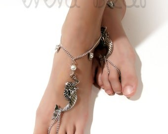 Mermaid Barefoot Sandals. Silver Foot Jewelry. Sea Shell Charms and White Pearl Beads . Nautical Boho Anklets. Beach Wedding. Set of 2