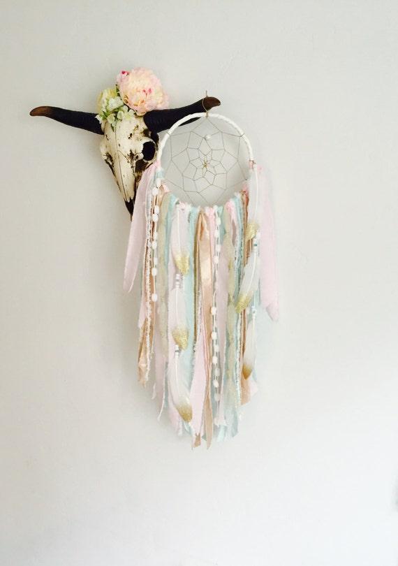Rosa und gold traumfänger dreamcatcher wandbehang von bohemianblush