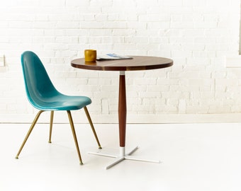 Side Show Bistro Table   Modern Round Pedestal Cafe Table