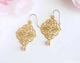 Peach filigree earrings, Gold dangle earrings with pearl, Swarovski peach pearl earrings, Gold Art Deco jewelry, Peach wedding bridal