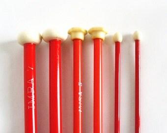Knitting needles - 3 red pairs