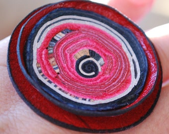 OSFA ring Leather hand made Red spiral arty natural