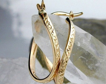 Elegant Creole, oval, diamond, 9K GOLD