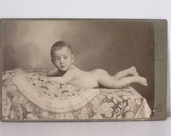 Vintage Photography, Baby on belly, 1910 / 1910, Austria
