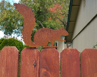 Squirrel - Rusty Fence Topper